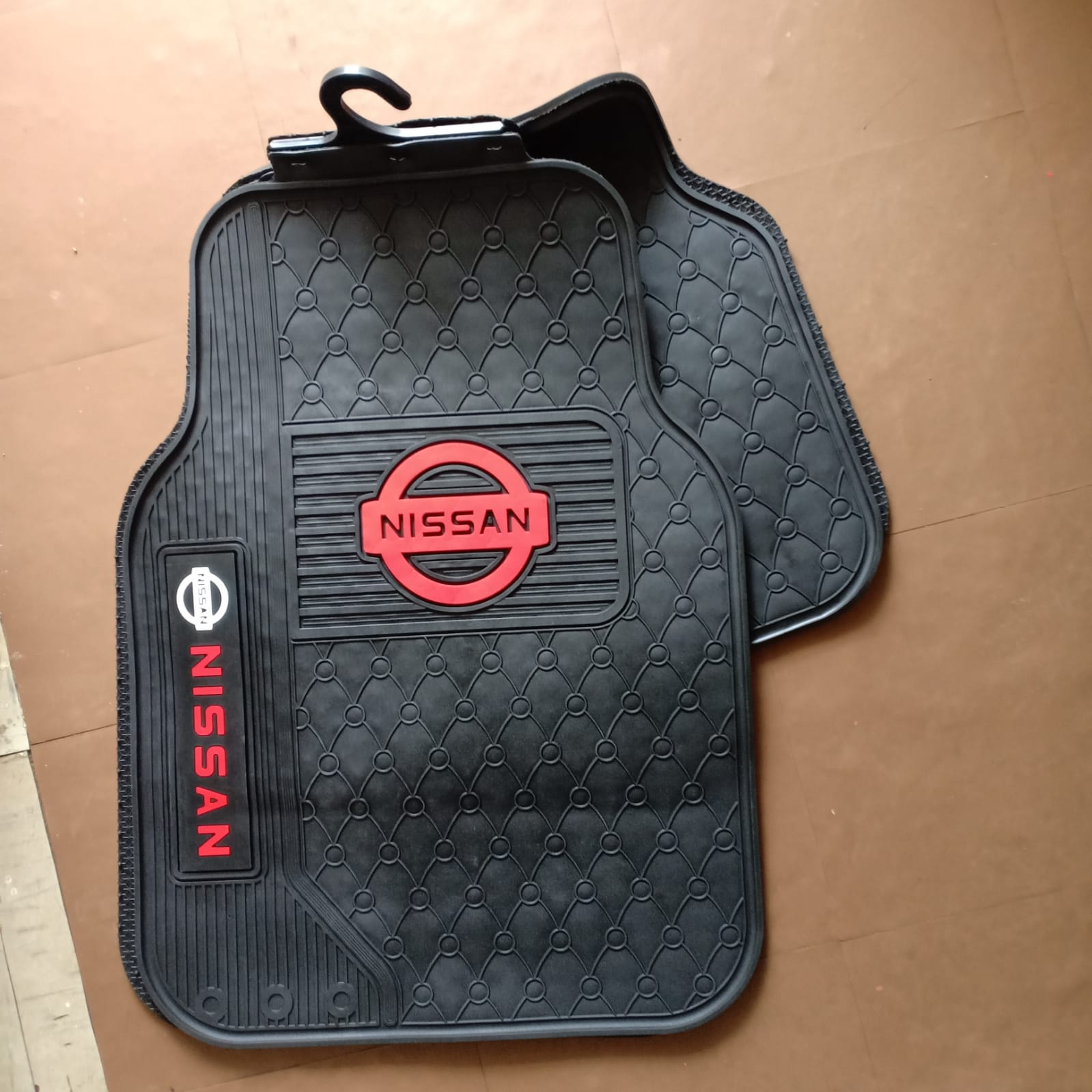 BRANDED NISSAN CAR MATS 4PC 5seater