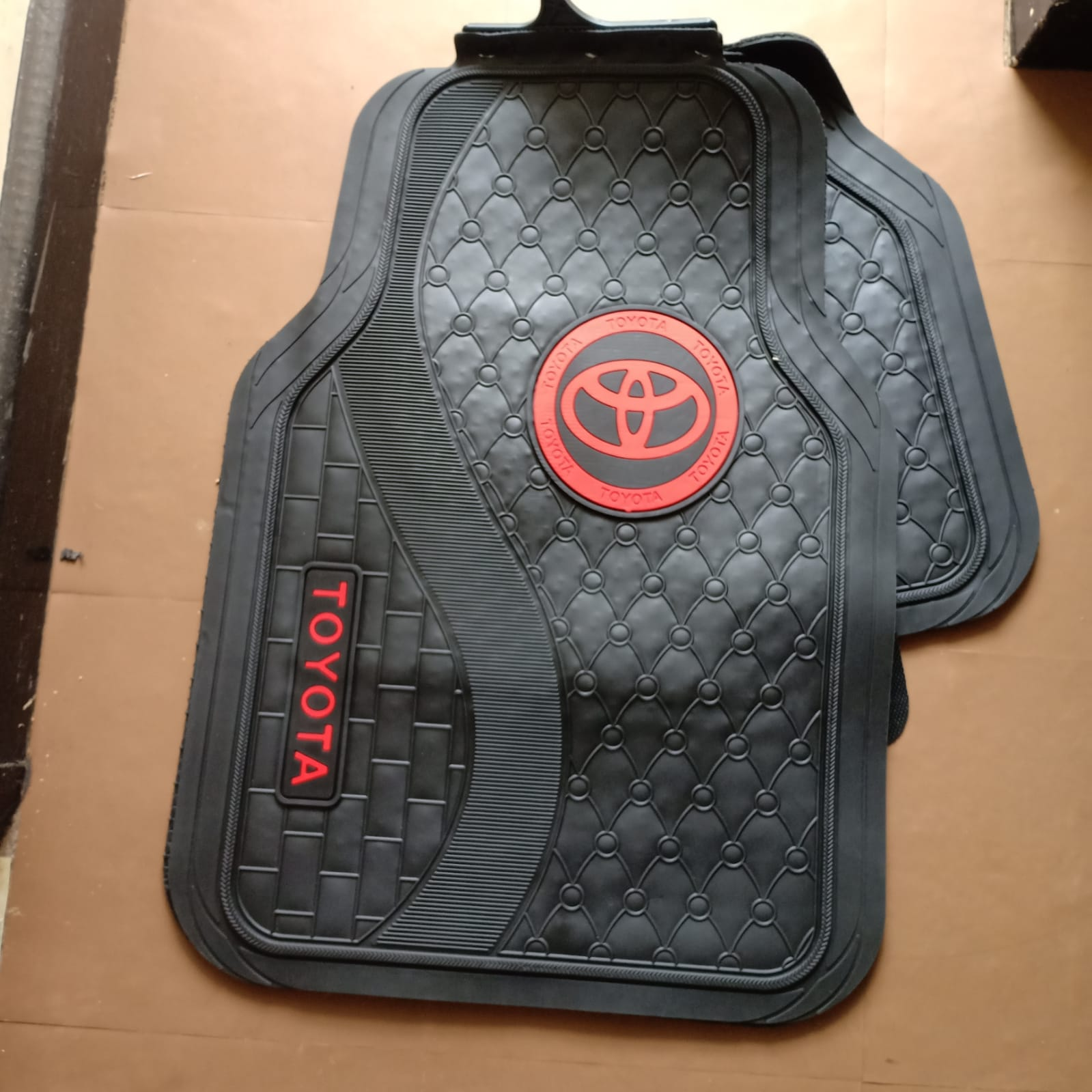 BRANDED TOYOTA CAR MATS 4PC 5seater